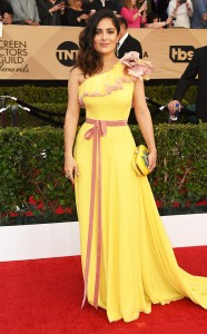 rs_634x1024-170129165629-634-salma-hayek-sag-awards-2017